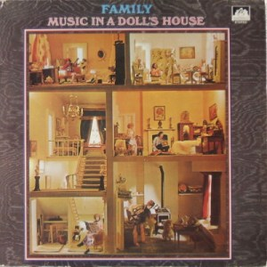 family_dolls_house_c